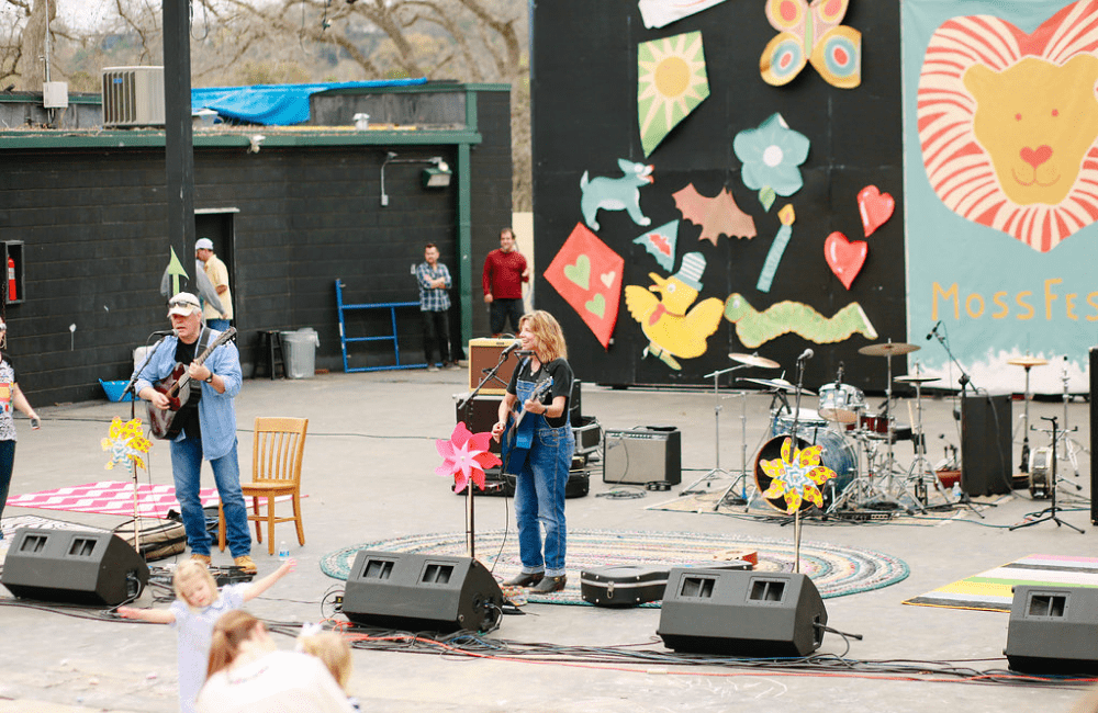 a live performance at the annual fundraising event MossFest