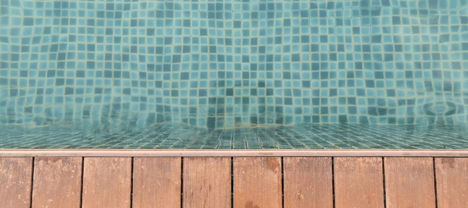 Remove scale from pool tile