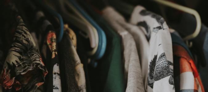How long do ticks live on clothing