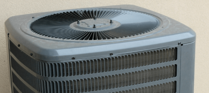 Air conditioner turns on and off right away