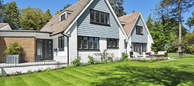 a home with a freshly edged lawn