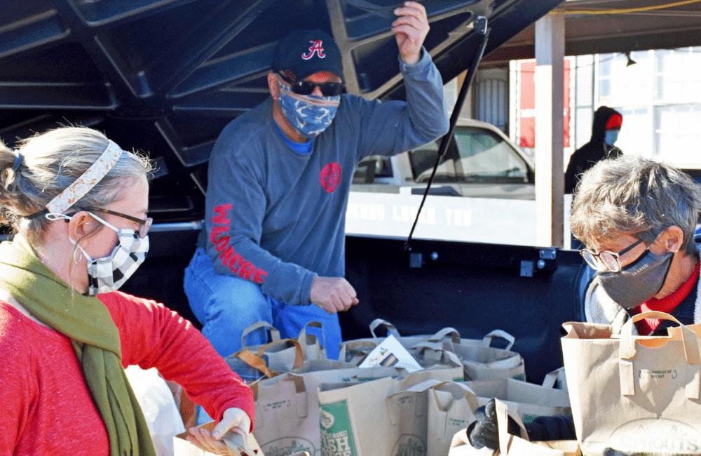 ABC volunteers at a Mission Arlington Food Drive