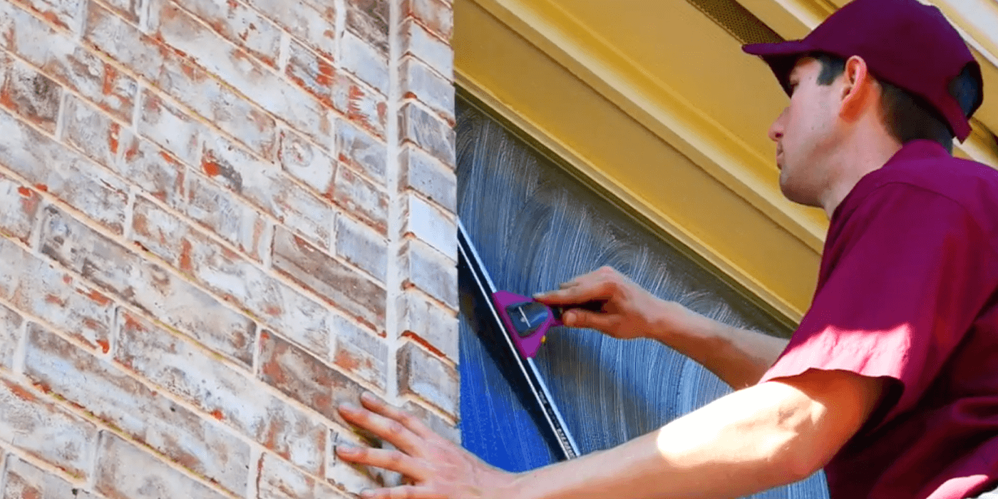 specialists providing window cleaning services in Houston